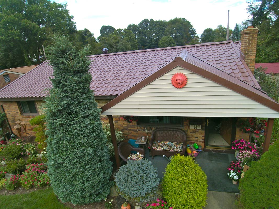 New metal shingled roofing